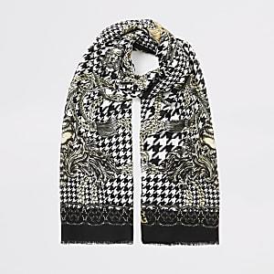 Bedruckter Schal in Schwarz mit Hahnentritt-Muster und Kette