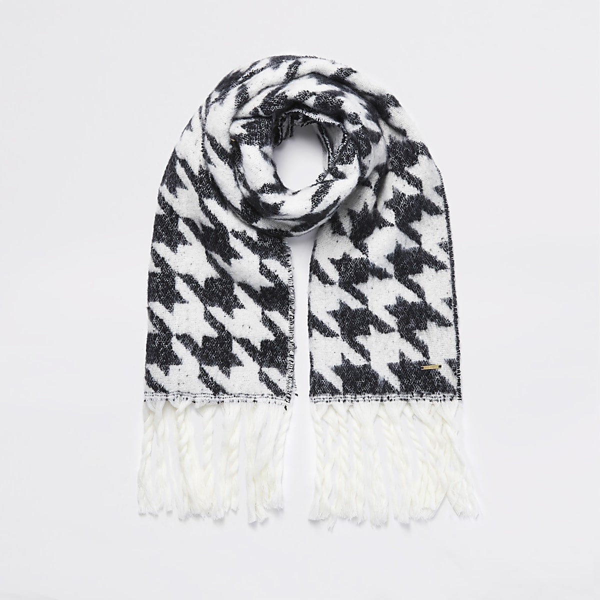 Black dogtooth check knitted scarf