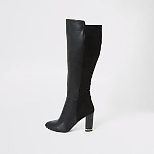 Schwarze kniehohe Stiefel mit Absatz und breiter Passform