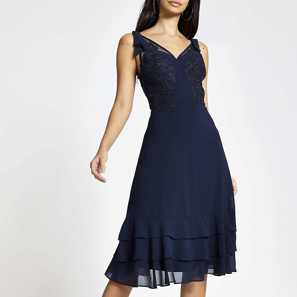 Chi Chi London - Marineblauwe kanten jurk