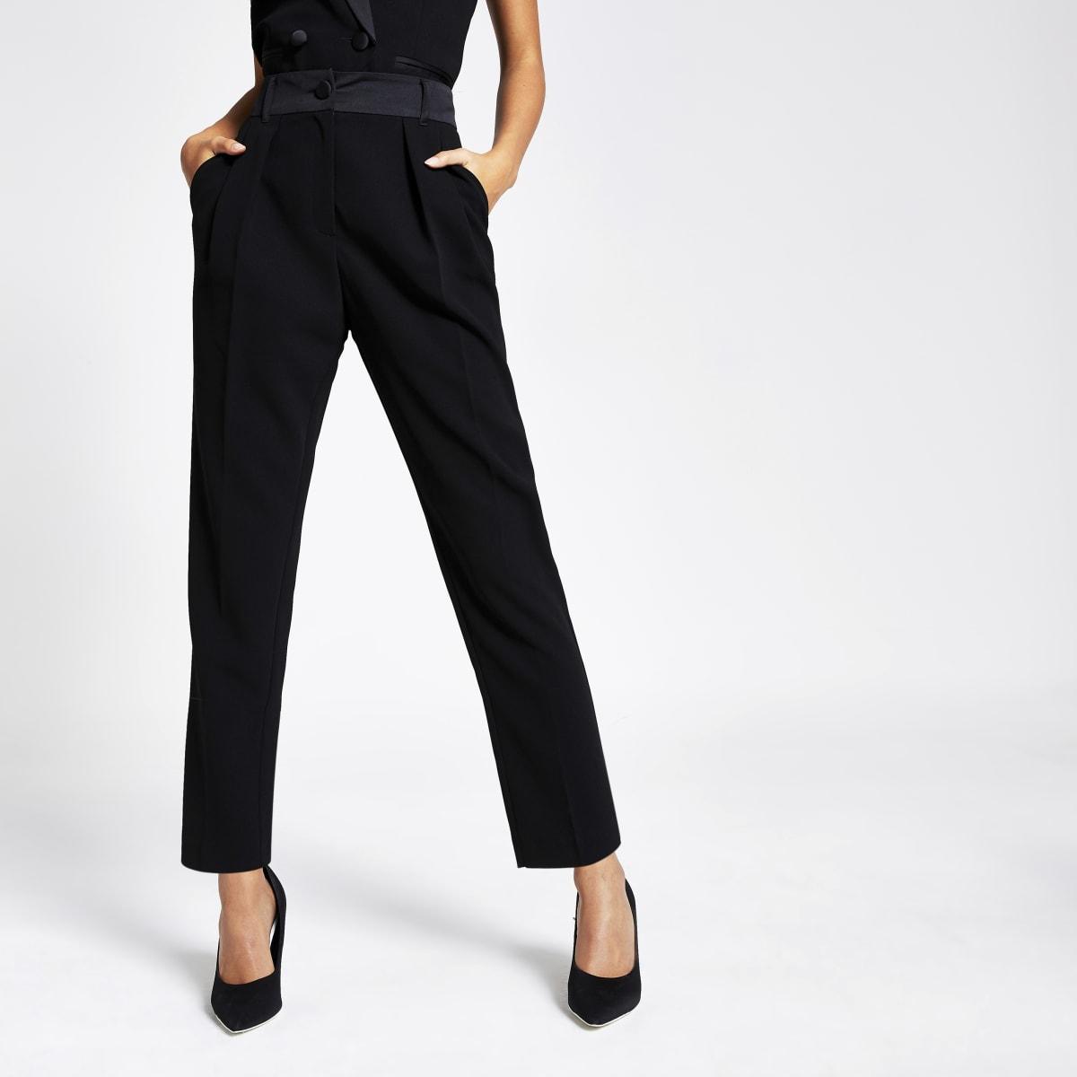 Zwarte smaltoelopende smokingbroek met hoge taille