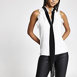 White lace contrast tie V neck halter top