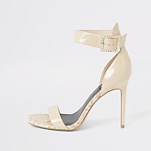 Pinkfarbene Wide Fit Sandale mit Strass und Schnalle