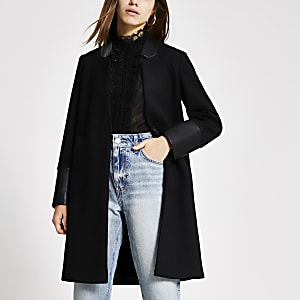 RI Petite - Zwarte PU jas met kleurvlakken en lange mouwen