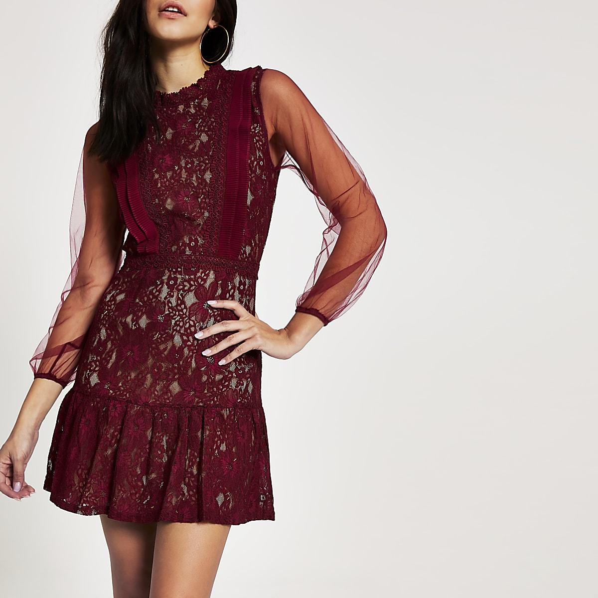 ForeverUnique - Mini-robe rouge cintréeen dentelle