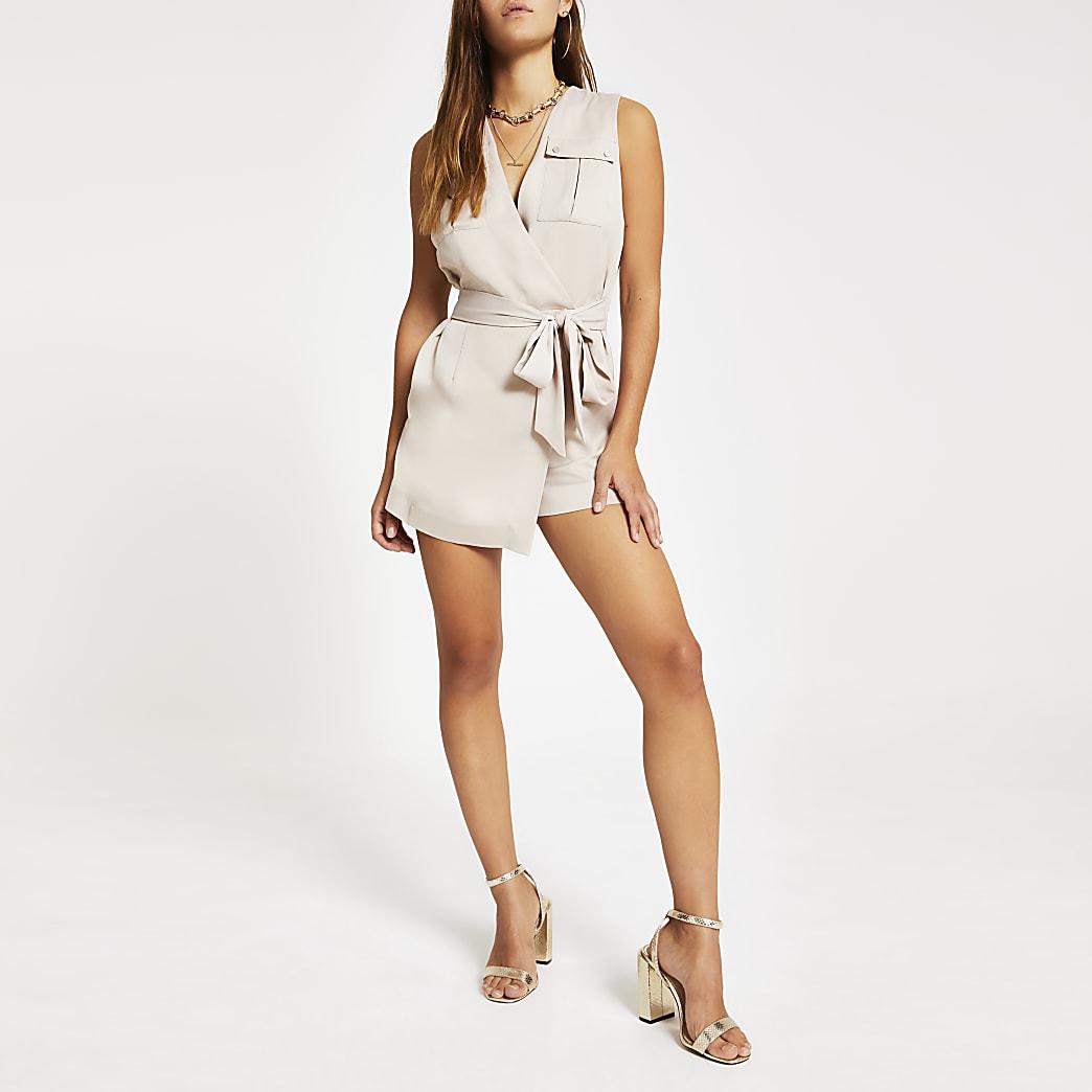 Petite – Combi-short beige clair avec ceinture à nouer