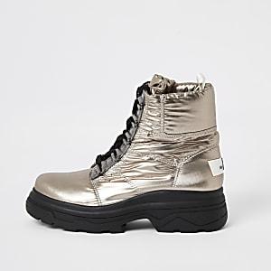 Silberne, dicke Moon-Boots mit Schnürung