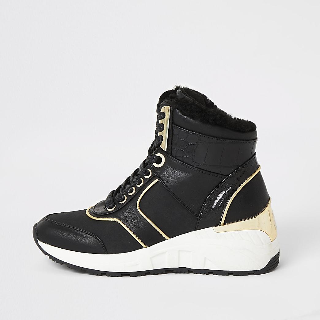 Zwarte hoge sneakers met sleehak en vetersluiting