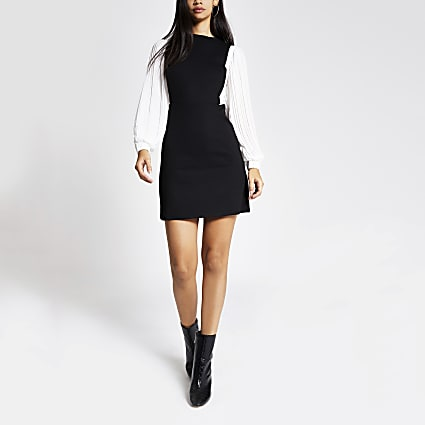 Black contrast pleated sleeve mini dress