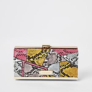 Roze patchwork portemonnee met slangenprint en druksluiting