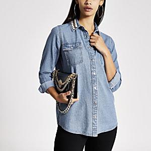 Blaues, verziertes Jeanshemd mit Kragen