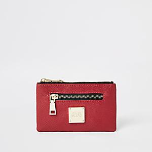 Rote Mini-Geldbörse mit Reißverschluss und Krokoprägung