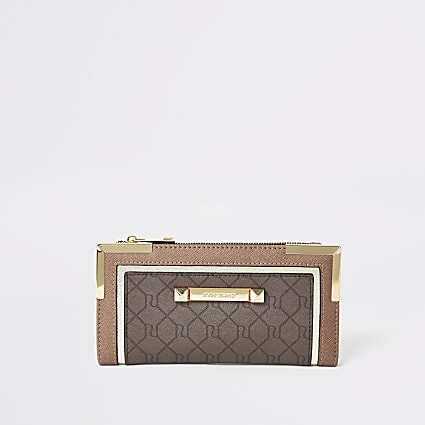 Brown RI monogram foldout metal corner purse