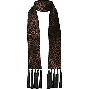 Bruine smalle velours sjaal met luipaardprint en kwastjes