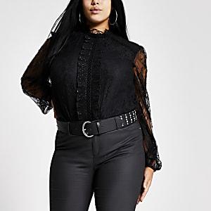 Plus – Bluse aus schwarzer Spitze mit langen, transparenten Ärmeln