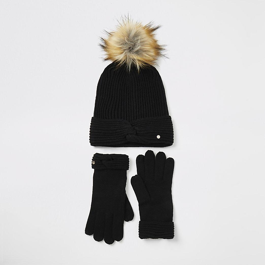 Zwarte gebreide gedraaide beaniemuts en handschoenen set
