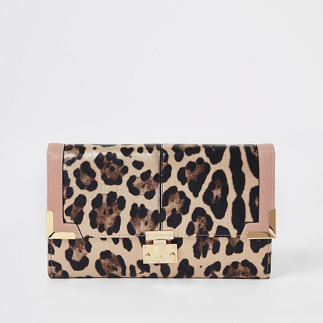 Roze metallic reisportemonnee met luipaardprint