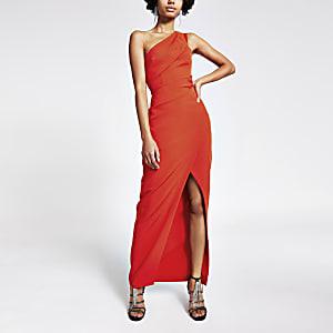 Rode bodycon maxi-jurk met overslag en één schouder