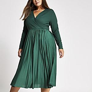 RI-Plus - Donkergroene geplooide overslag midi-jurk