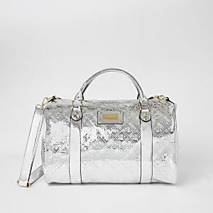 Silberne Duffle-Tasche fürs Wochenende mit RI-Prägung