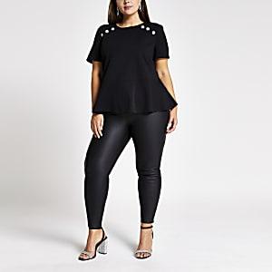 Plus Schwarzes Schößchen-T-Shirt mit Knöpfen am Schulterteil