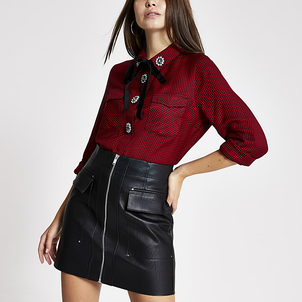 Red dogtooth embellished button shirt
