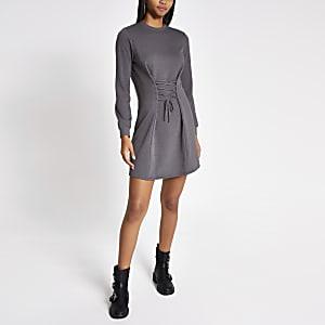 Robe pull gris effet corset