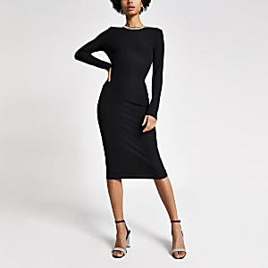 Schwarzes Bodycon-Kleid im Rippenstrick mit strassbesetztem Ausschnitt
