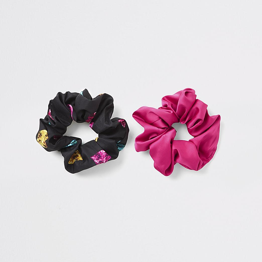 Set van 2 zwarte en roze scrunchies met hartenprint