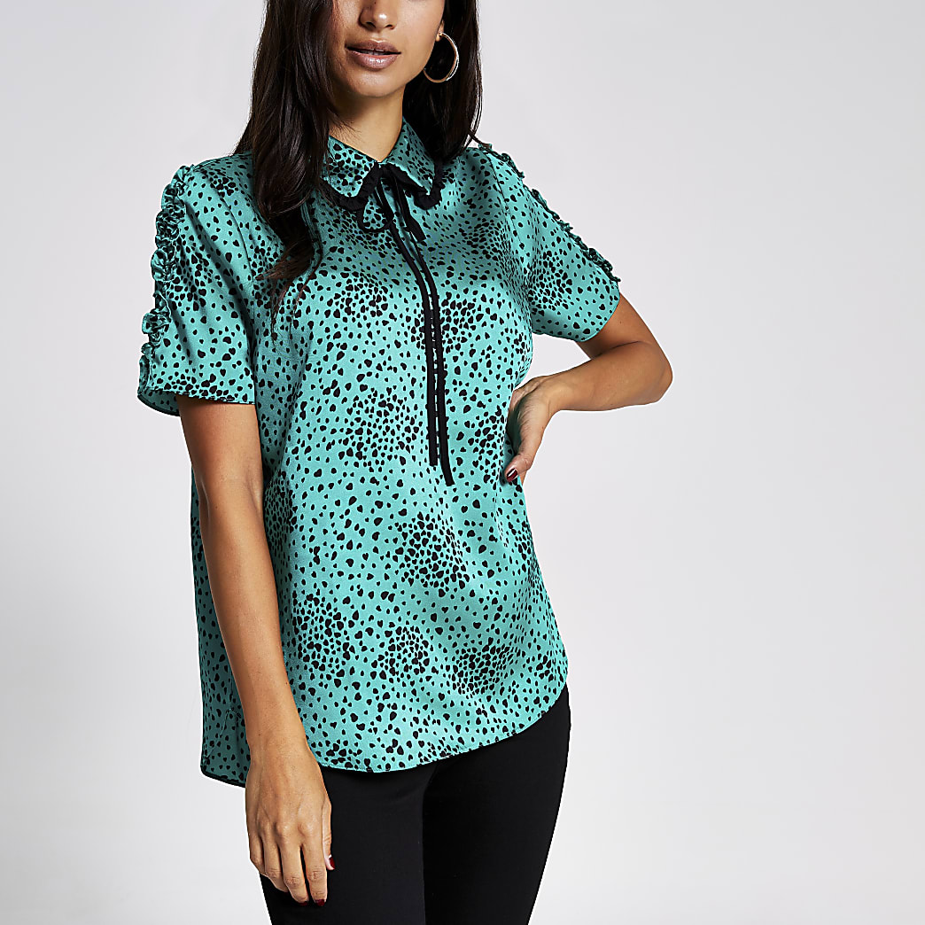 Petite green heart print bow neck shell top