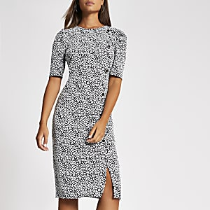 Witte jacquard midi-jurk met korte pofmouwen
