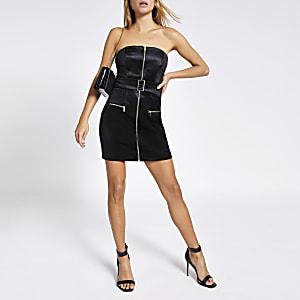 Schwarzes Minikleid aus Samt mit vorderem Reißverschluss und Bandeau-Ausschnitt