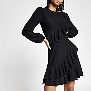 Schwarzes, gesmoktes Minikleid mit Rüschen-Zierstreifen