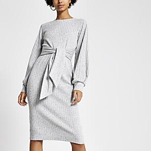 Grijze geribbelde trui-jurk met strik voor