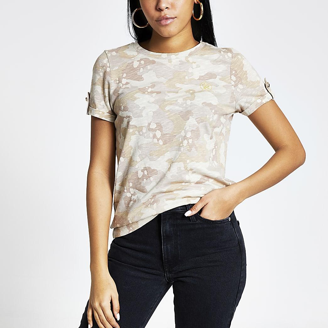 Beige T-shirt met camouflage print en omgeslagen mouwen