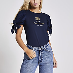 Marineblaues T-Shirt mit Print und Schleifen-Puffärmeln