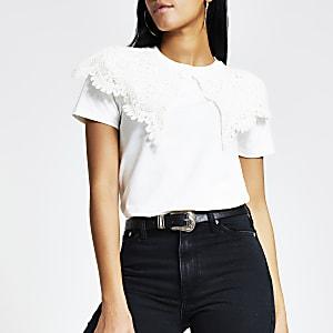T-Shirt in Creme mit Oversized-Spitzenkragen