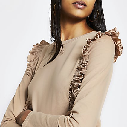 Beige pleated ruffle long sleeve top