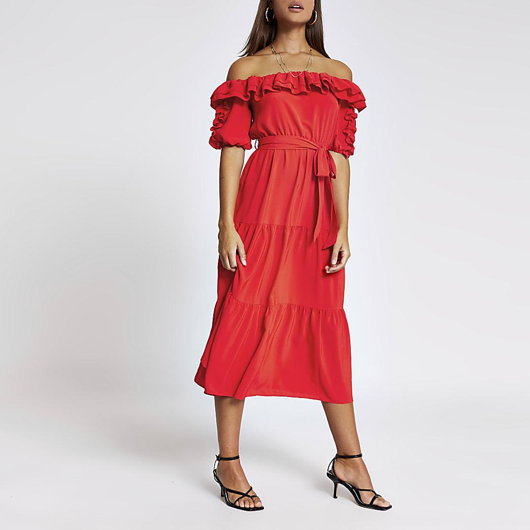 Rode bardot midi-jurk met ruches en korte mouwen