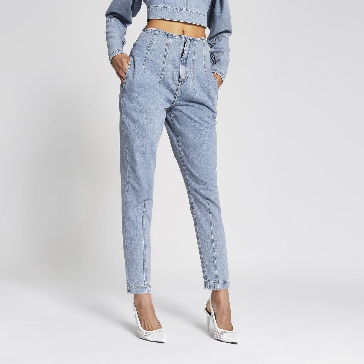 Lichtblauwe jeans met kokerpijpen en gestikte taille