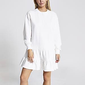 Petite– Gesmoktes Sweatshirt-Kleid in Creme