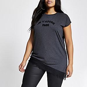 Plus–T-shirtasymétrique gris impriméavec ourlet en dentelle
