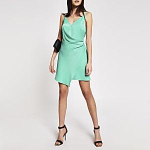 Mini-robe portefeuille en satin vert