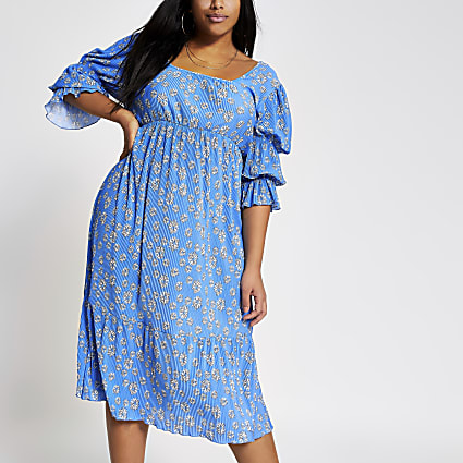 Plus blue floral plisse midi dress