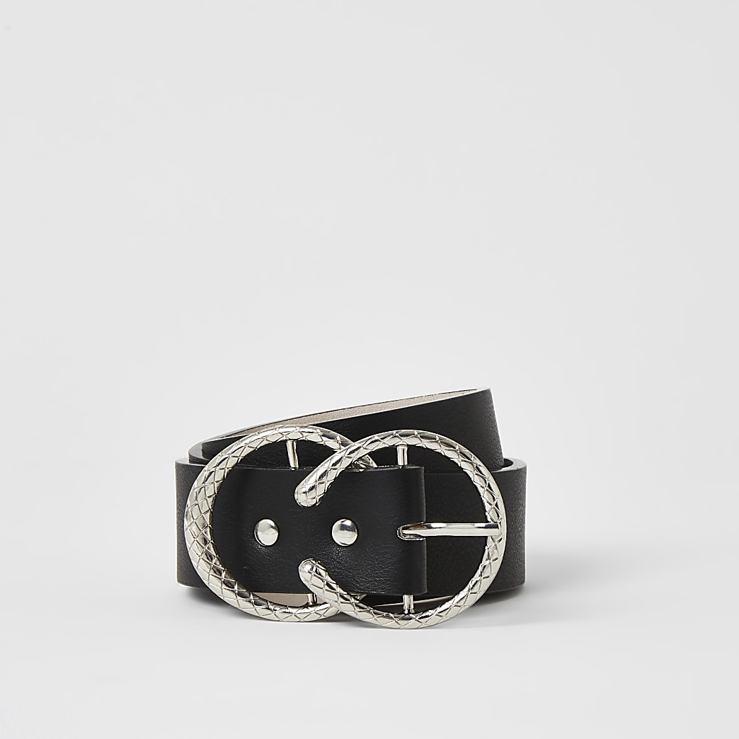 Black textured horseshoe buckle belt
