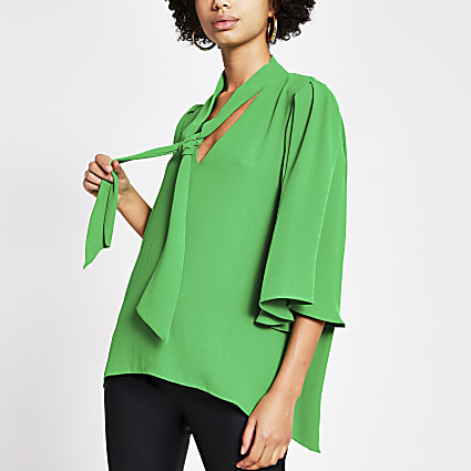 Green tie V neck choker blouse