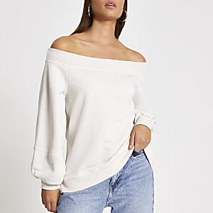 Crèmekleurige bardotsweater met blousonmouwen