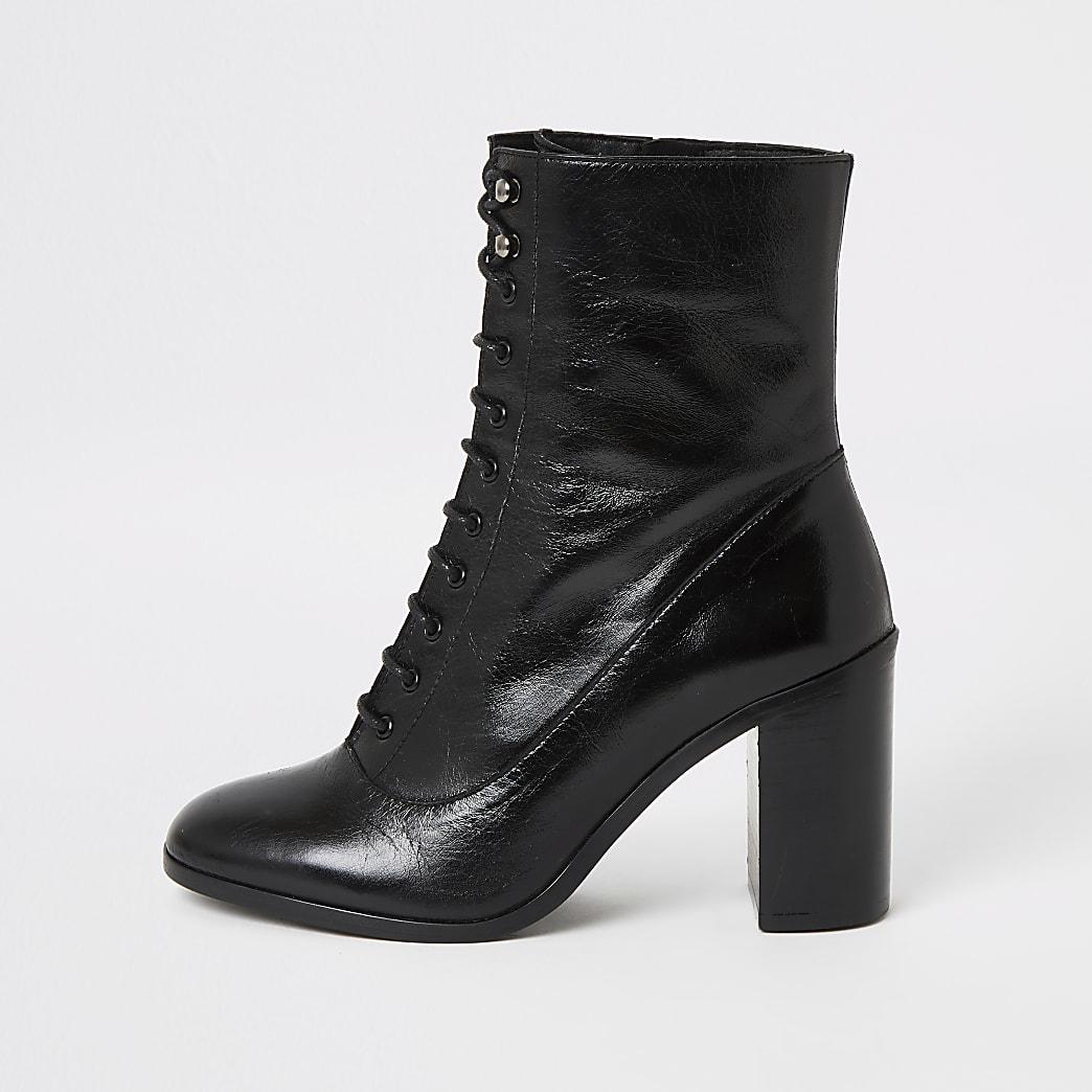 Bottes noires en cuir à lacets et talon carré