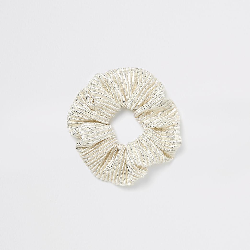 Crèmekleurige metallic scrunchie haarband van plisse-stof
