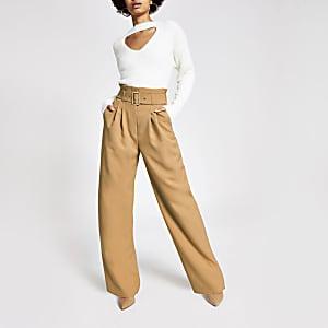 Pantalon large beige avec ceinture à boucle